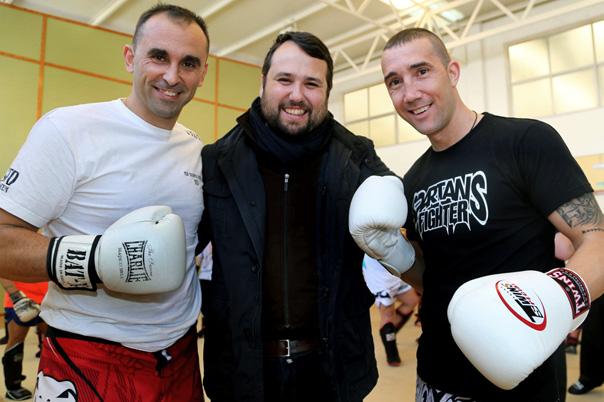 Cerca de medio centenar de benalmadenses participan en el I Curso Técnico de K1-Kick Boxing