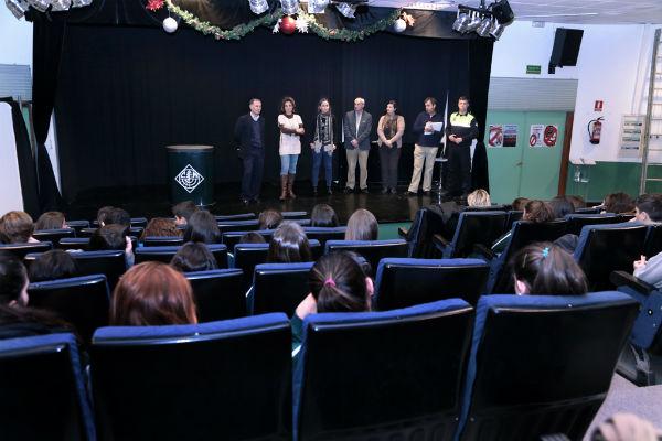 Unos 70 alumnos del colegio Maravillas realizan el curso de Soporte Vital Básico y Desa