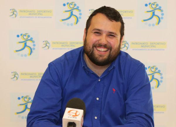El concejal Juan Olea informó de la salida a concesión de forma abierta de las explotaciones del Campo Municipal de Fútbol 'El Tomillar' y de 'El Retamar'
