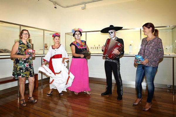 Benalmádena Pueblo festejará la instalación del altar de muertos en el Museo Felipe Orlando con un Gran Desfile de Calaveras y Catrinas
