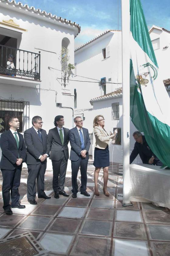 La alcaldesa destaca la necesidad de que Andalucía camine 'Hacia el progreso y la prosperidad'