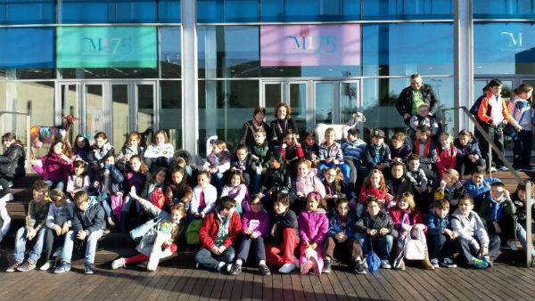 Medio centenar de alumnos del colegio 'La Paloma' participan en el homenaje de Diputación a la cabra malagueña