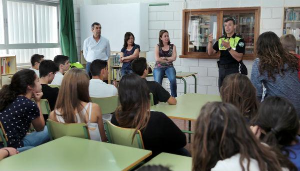 Alrededor de 80 alumnos del Instituto Arroyo de la Miel culminan el Curso de Soporte Vital Básico