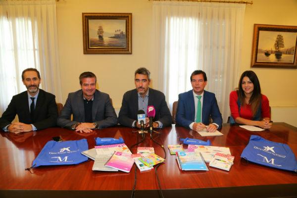 La Obra Social de la Caixa y Diputación Provincial donan 250 lotes de material escolar para familias en riesgo de exclusión social