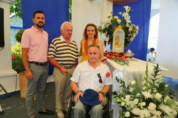 Multitudinaria ceremonia de emersión de la Virgen del Carmen en el Puerto Deportivo