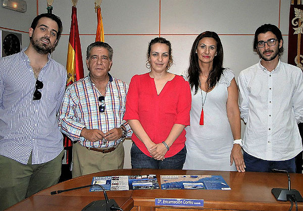La Concejalía de Turismo y la ACEB distribuirán desde hoy 40.000 manteles ...