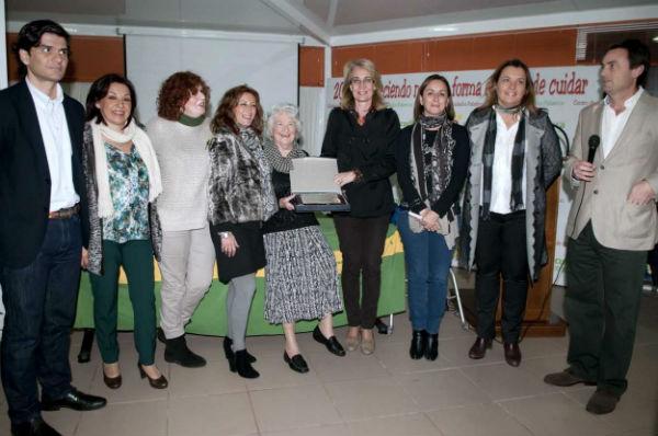 La Alcaldesa acompaña a la Fundación Cudeca durante la fiesta navideña 'Enciende una Luz'