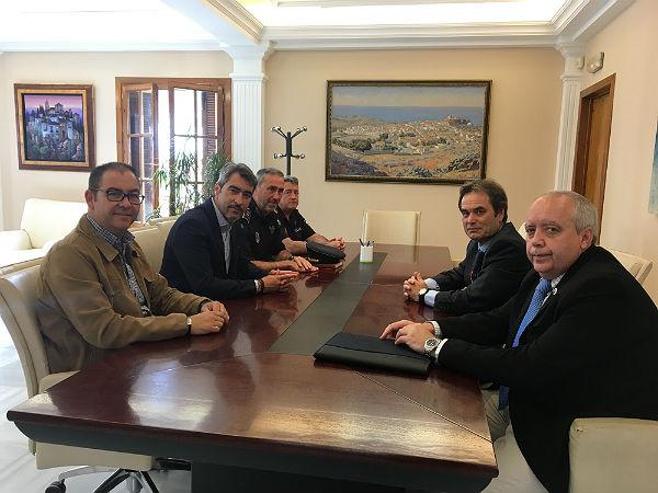 El Alcalde de Benalmádena y el Concejal de Seguridad reciben al nuevo Comisario Provincial de la Policía Nacional, Francisco López Canedo