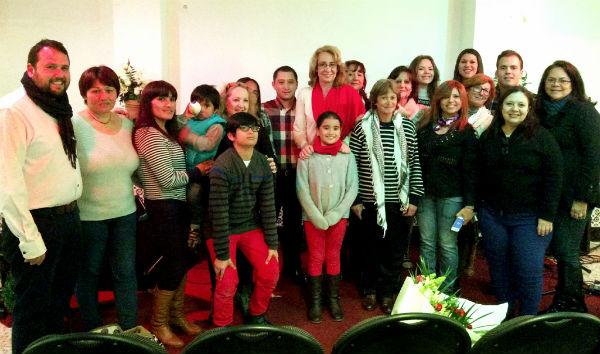 La regidora mantiene un encuentro con miembros de la Iglesia Cristiana Evangélica de Arroyo de la Miel