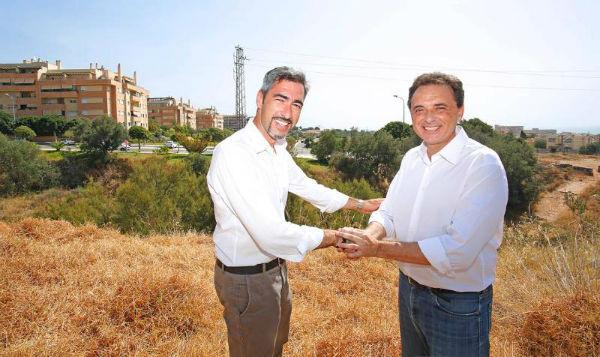 El alcalde Víctor Navas mantiene un encuentro con el alcalde de Torremolinos José Ortiz para impulsar la conexión viaria de ambos municipios por La Leala