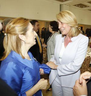 La Alcaldesa de Benalmádena Obtiene el Compromiso de la Ministra de Fomento de Retomar el Proyecto Para Arreglar los Accesos a Arroyo de la Miel.