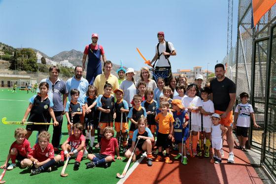 Más de 150 niños se dan cita en el X Encuentro de Escuelas Andaluzas de Hockey 'Fiestas de San Juan 2014'