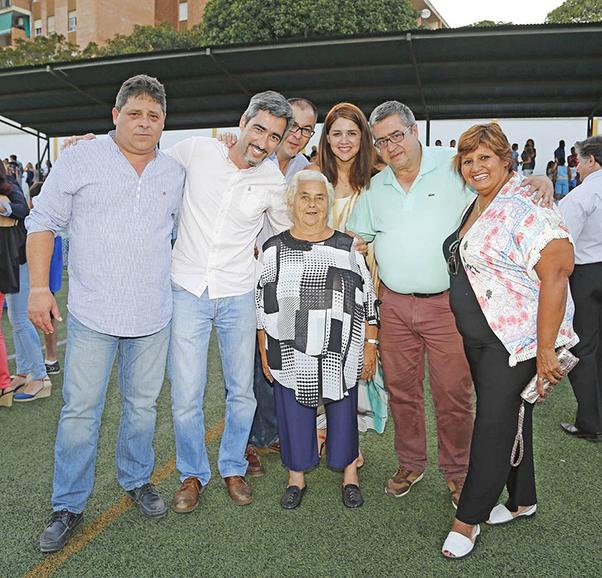 El campo de fútbol de El Tomillar acogió la entrega de premios y trofeos del Atlético Benamiel