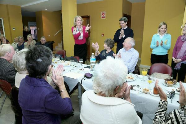 La alcaldesa preside el acto de agradecimiento a los intérpretes y voluntarios de ayuda al extranjero