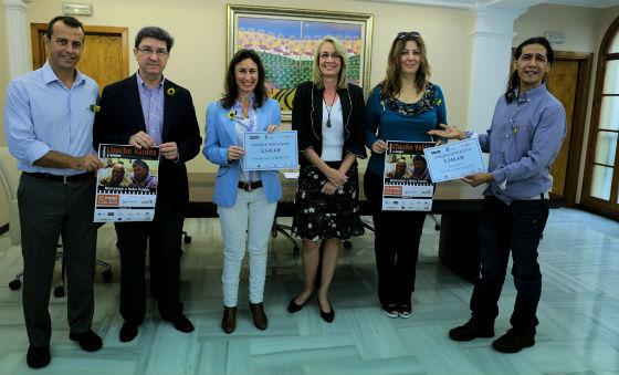 La alcaldesa entrega a Cudeca y 'Una Luz para Ezequiel' la recaudación del concierto de Chucho Valdés