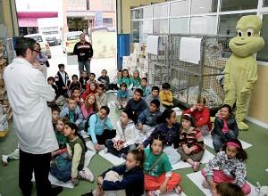 Escolares del Municipio visitan una imprenta