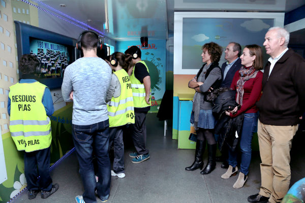 Los alumnos del IES 'Benalmádena' participan en la campaña nacional 'Escuela de Reciclaje'