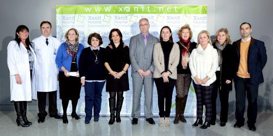 La Asociación Contra el Cáncer inaugura la exposición 'Con otra mirada' en Xanit Hospital Internacional