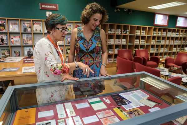 La biblioteca pública de Arroyo de la Miel acoge la exposición 'En torno a Juan Ramón Jiménez'
