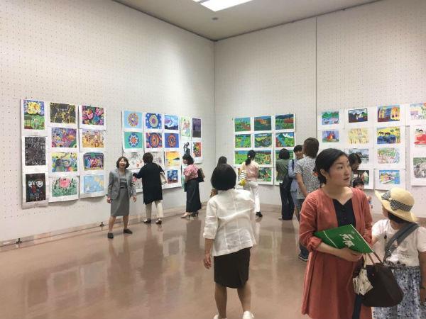 Un Taller Infantil de la Biblioteca de Arroyo de la Miel viaja hasta Japón