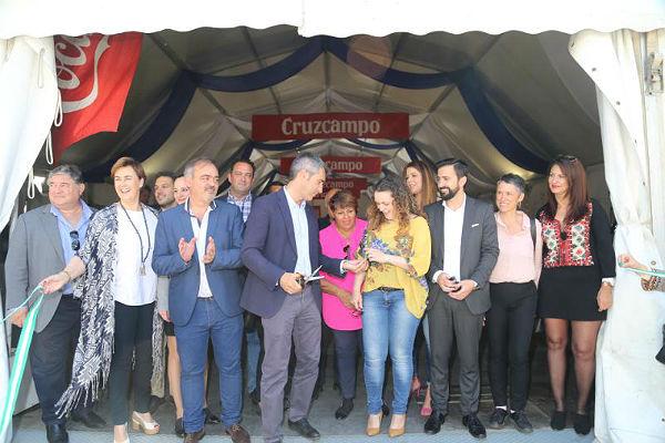 El Puerto Deportivo inaugura la X Feria del Marisco
