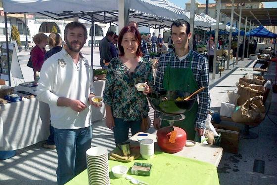 La Feria Ecológica sumó a sus atractivos una degustación de arroz con verduras y un sorteo de productos