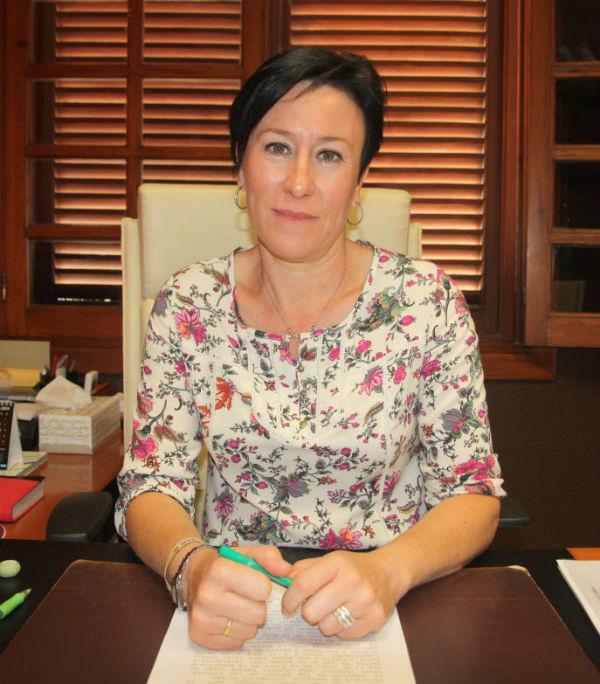 Concepción Tejada informa sobre el plazo de inscripción de la elección Reina de la Feria y Romeria de San Juan