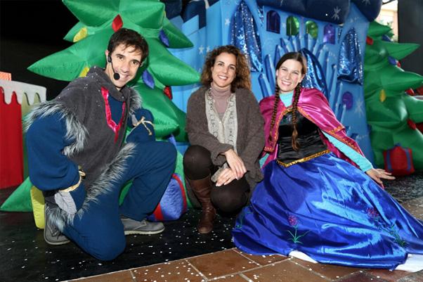 Más de un millar de niños disfrutan de la gran fiesta infantil 'Frozen' en la Plaza de la Mezquita