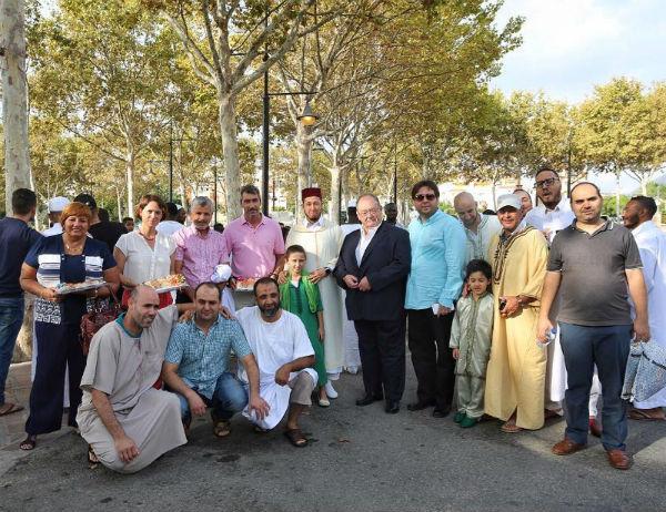 El Alcalde Víctor Navas y la Concejala Ana Scherman participan en la Fiesta del Cordero de la Comunidad Musulmana