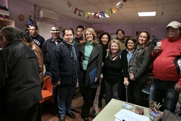 La alcaldesa comparte con los usuarios de AFESOL su tradicional fiesta de navidad