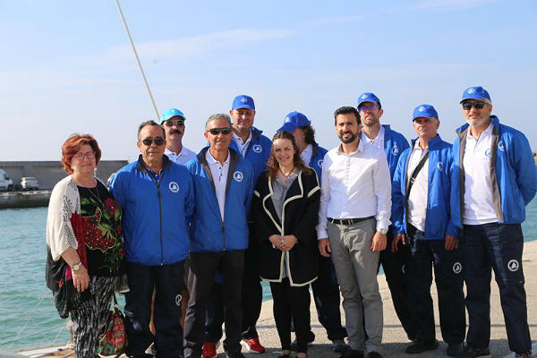 El Puerto Deportivo firma un convenio de colaboración con ABAD y el Club Andaluz de Vela Adaptada