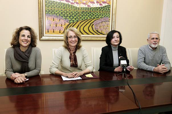 La Alcaldesa renueva el convenio con Cruz Roja para el servicio de transporte adaptado en el Centro Ocupacional