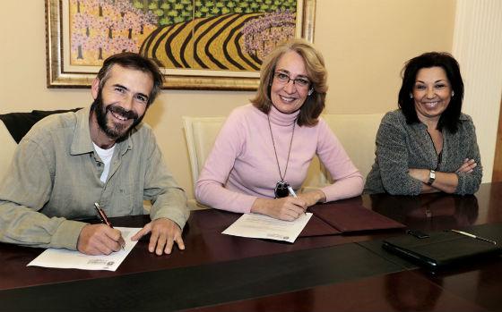 La alcaldesa renueva el convenio para dar continuidad al Mercado Ecológico de Benalmádena