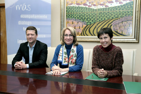 La alcaldesa firma un convenio para impulsar acciones formativas en el Parque Innova