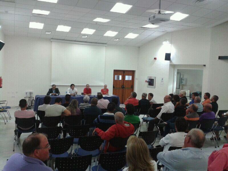 El Ayuntamiento trabaja con los empresarios en la elaboración del plan de playas 2013