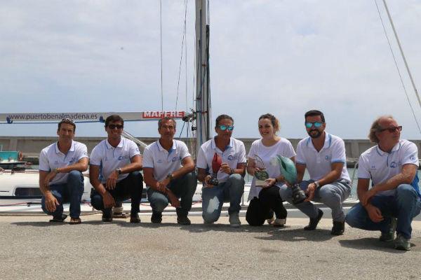 La Concejala Encarnación Cortes preside el acto oficial de bienvenida a la tripulación de 'Grupo Ceres' barco ganador de la Copa del Rey de Vela