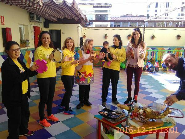 El Ayuntamiento reparte entre familias en riesgo de exclusión social los juguetes donados por Emabesa,