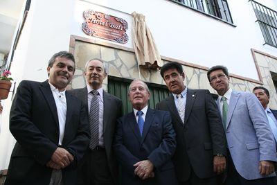 Benalmádena Participa en el Homenaje que Comares le Brinda al Empresario Hotelero José Miguel Bordera.