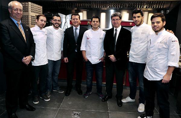 Diego Gallegos, el chef del caviar, inagura su nuevo restaurante 'Sollo' en la Reserva del Higuerón.