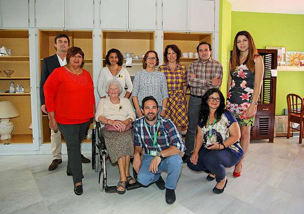 Inauguración de la nueva tienda benéfica de muebles de Cudeca