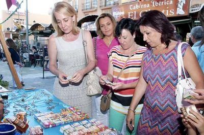 La Alcaldesa Inaugura el Mercado Mediaval del Circo que se Celebra este Fin de Semana en la Plaza de la Mezquita.