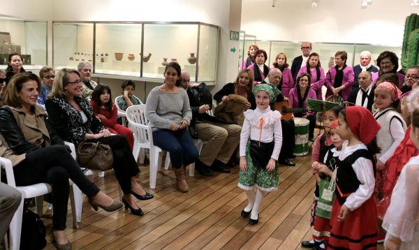 La alcaldesa inaugura el tradicional Belén mexicano del Museo de Arte Precolombino 'Felipe Orlando'
