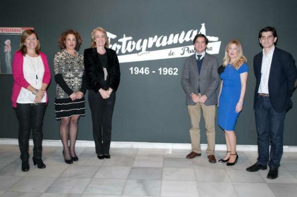La alcaldesa inaugura la exposición 'Fotogramas de Posguerra (1946-1962)'
