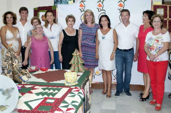 La alcaldesa inaugura los nuevos talleres de la Asociación de Mujeres de Arroyo-Benalmádena para el curso 2014/2015