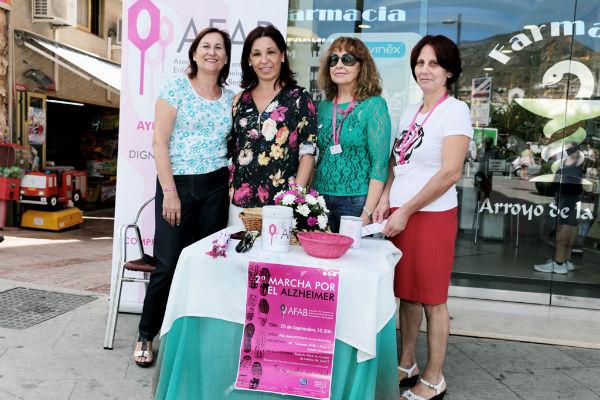 Benalmádena se vuelca con la campaña informativa puesta en marcha por AFAB con motivo del Día Mundial del Alzheimer