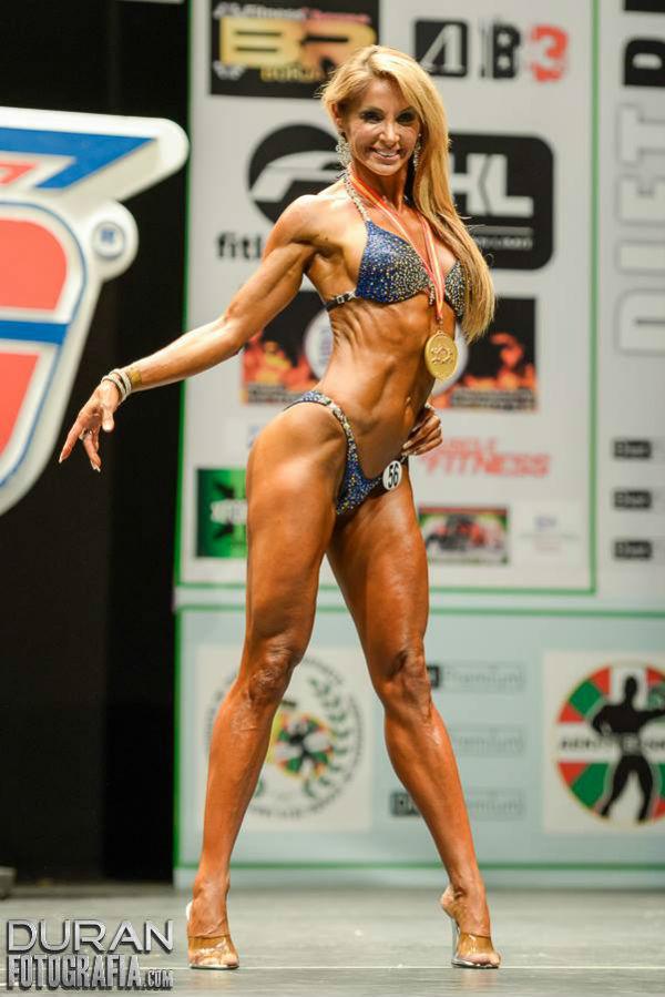 Inmaculada Moreno Peña se proclamo campeona de la categoría Bikini Fitness Master talla alta