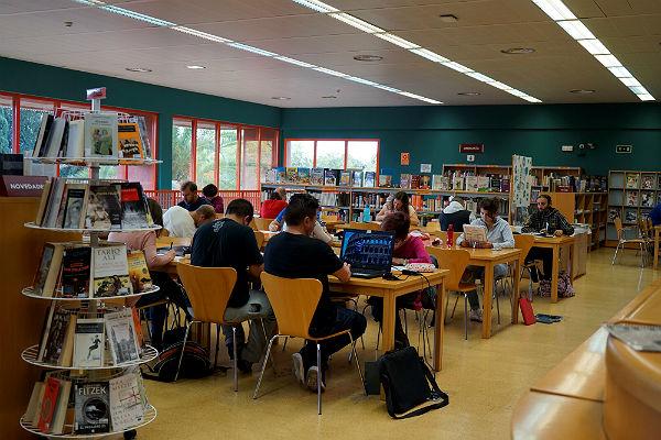 Más de 192.000 personas se han beneficiado de los servicios de la Biblioteca Pública Arroyo de la Miel en 2017