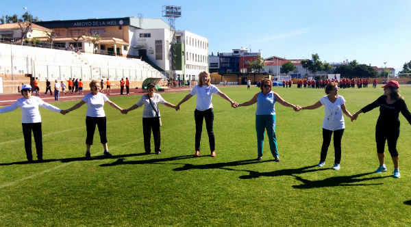 La alcaldesa participa en la XIV Jornada de Actividad Física al Aire Libre para Mayores