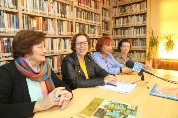 La Biblioteca de Benalmádena Pueblo organiza una lectura de cuentos sobre los derechos de los niños y niñas para los alumnos del Colegio Jacaranda