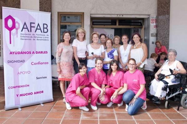 La alcaldesa comparte con los usuarios de AFAB una jornada de puertas abiertas para conmemorar el Día Mundial del Alzheimer
